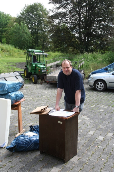 2007_05-06_container_wird_gepackt_29