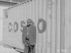 erzbischof_vor_dem_container2