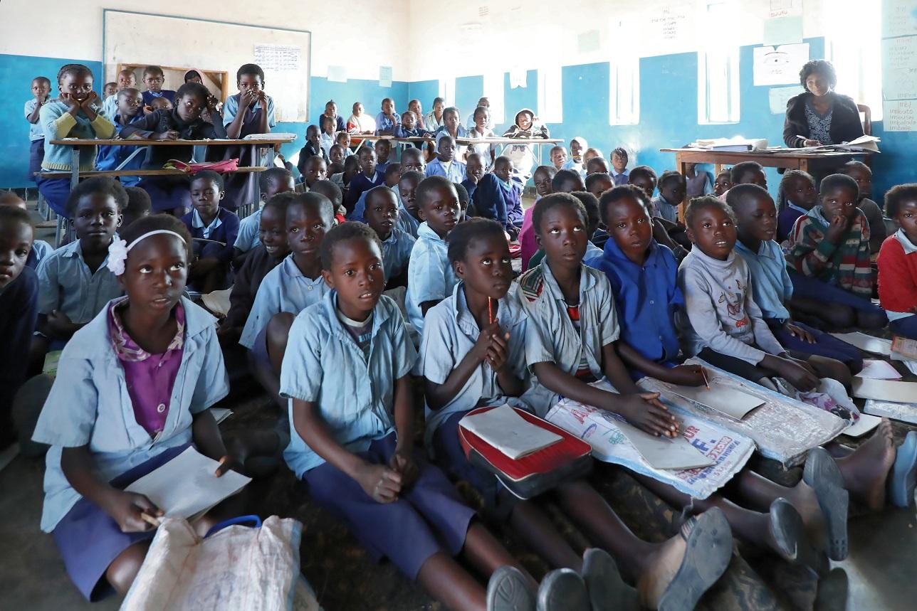 Schüler müssen teilweis auf dem Boden sitzen